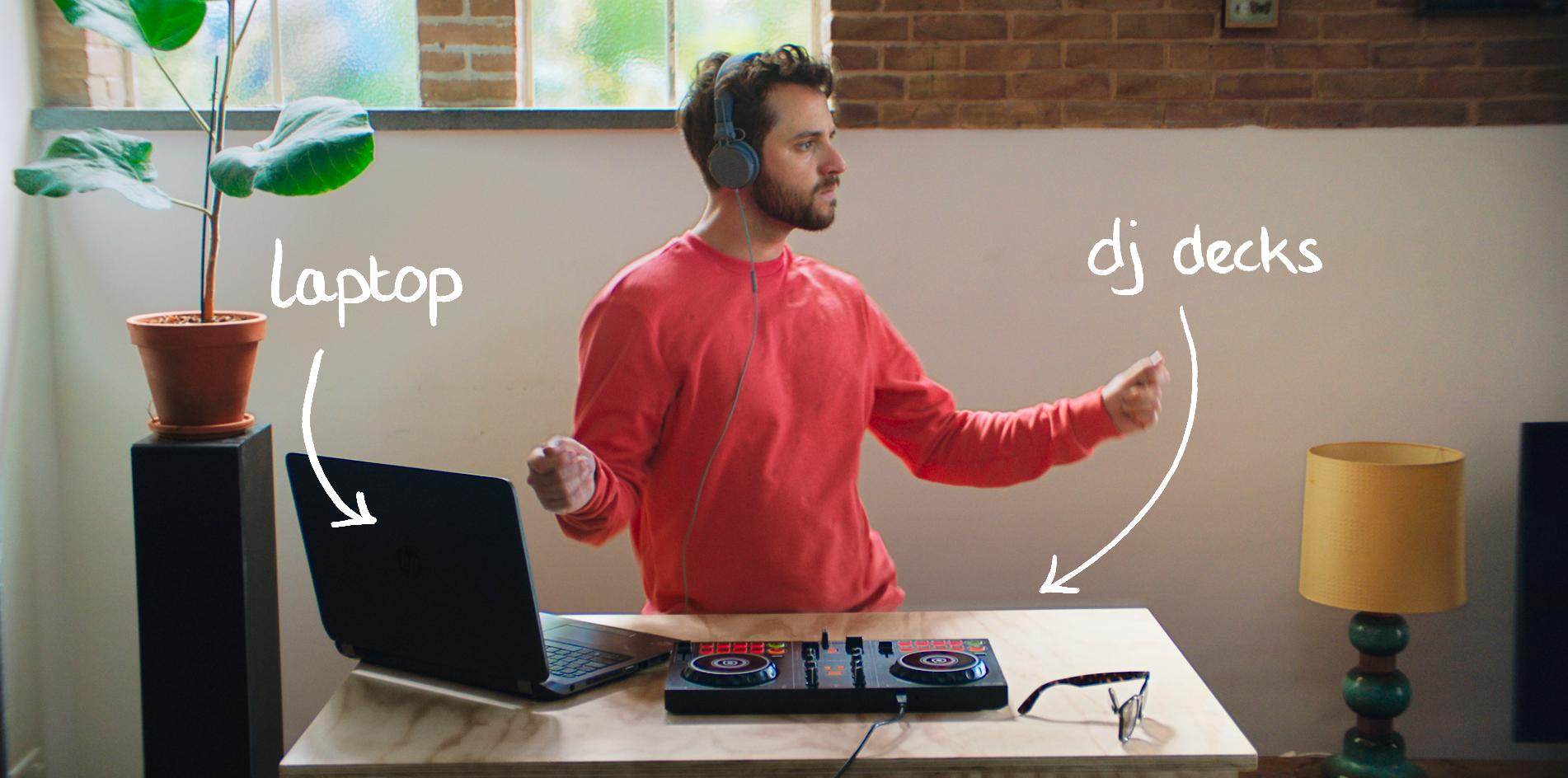 Urban-Jungle-renter-with-his-laptop-and-DJ-decks-2